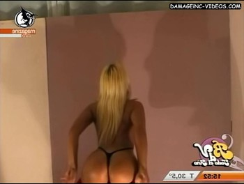 Cecilia Oviedo bends over to show her ass in thong